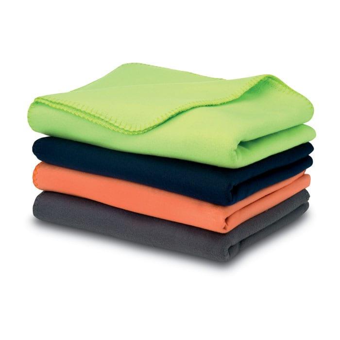 Fleece-blanket-handle-