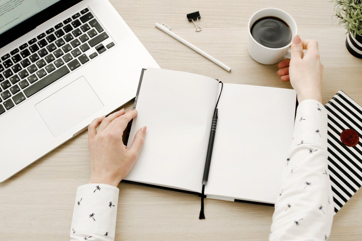 Looking for a memorable and useful corporate gift? Inside this guide you will realise how a work diary will benefit its owner, and therefore you too!
